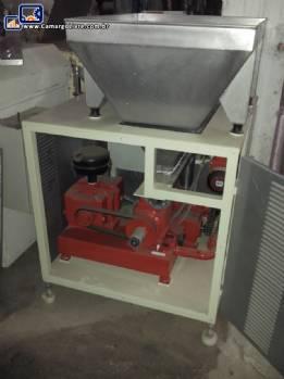 Dosador com misturador e rosca transportadora para massas tipo Triblender - nova
