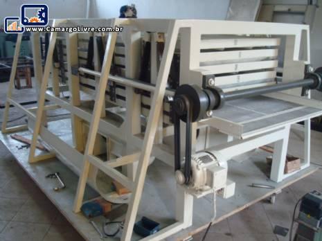 Trabato para massa cortada com capacidade para 300 kgs / hora