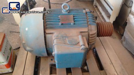 2 Motores 70 cv com duas velocidades em 380 v com pé